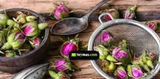 infusión de pétalos de rosa